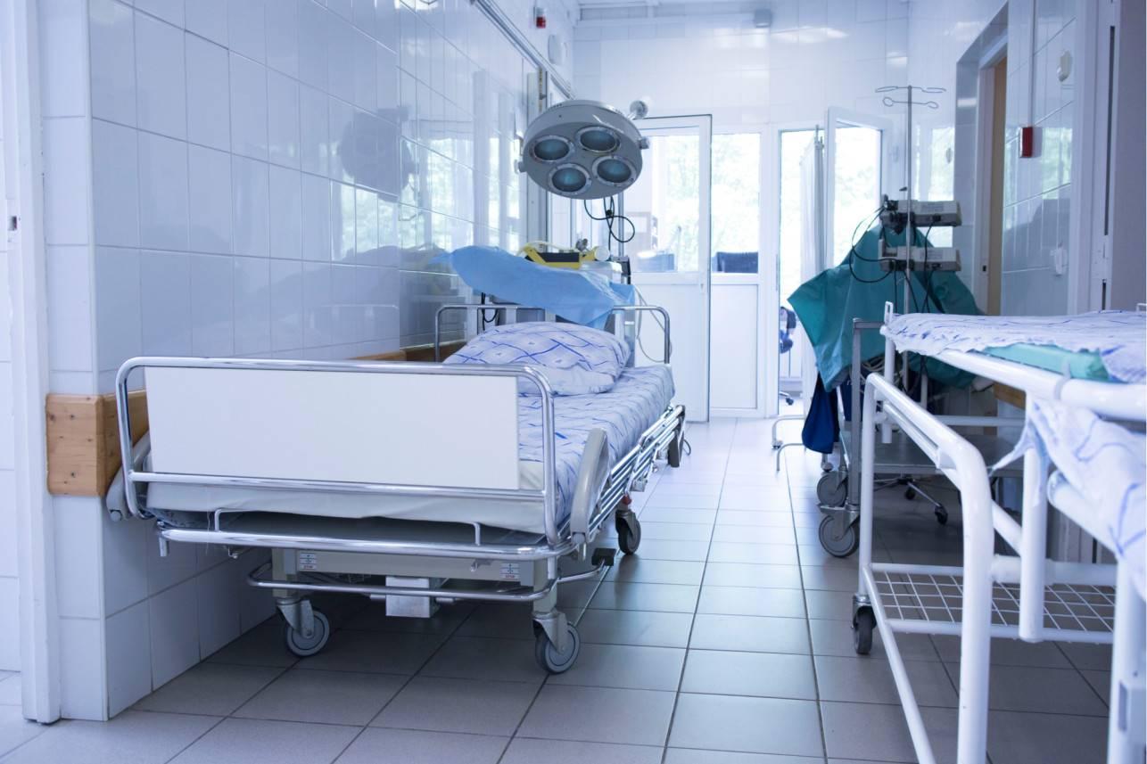 Tâm sự của bác sĩ ở Mỹ: Phòng cấp cứu quá yên tĩnh, nhiều người không nhiễm Covid-19 vẫn chết ở nhà