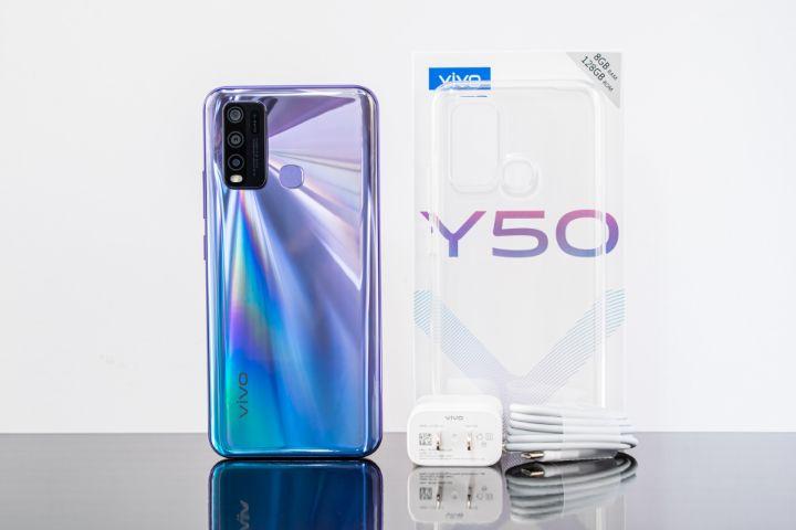 vivo Y50 ra mắt: đối đầu Redmi Note 9S, Realme 6, cũng có màn hình nốt ruồi, 4 camera macro, siêu rộng, pin lớn 5000 mAh, giá 6,3 triệu đồng