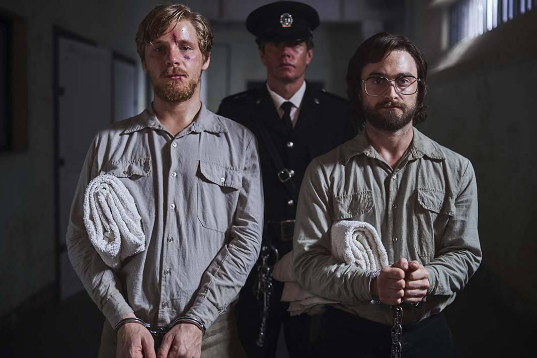 'Escape from Pretoria': Hồi hộp, kịch tính với từng bước chân vượt ngục của 'Harry Potter'