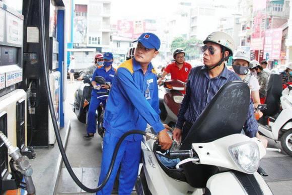 Giá xăng dầu giảm lần thứ 8 liên tiếp, nhưng vẫn trên 10.000 đồng/ lít