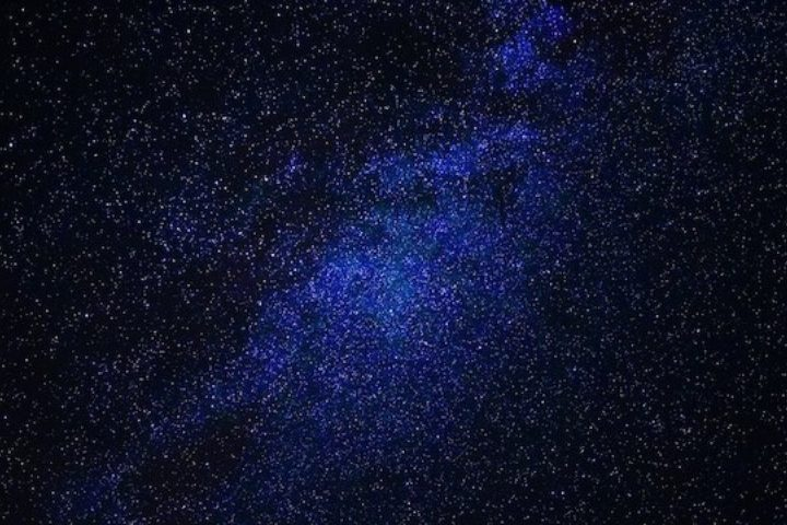 Hàng trăm ngôi sao đang biến mất, có khả năng do người ngoài hành tinh gây ra