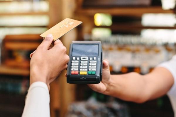 Mastercard : Thanh toán không chạm tăng 40% vì người mua sợ dùng tiền mặt và thẻ tín dụng