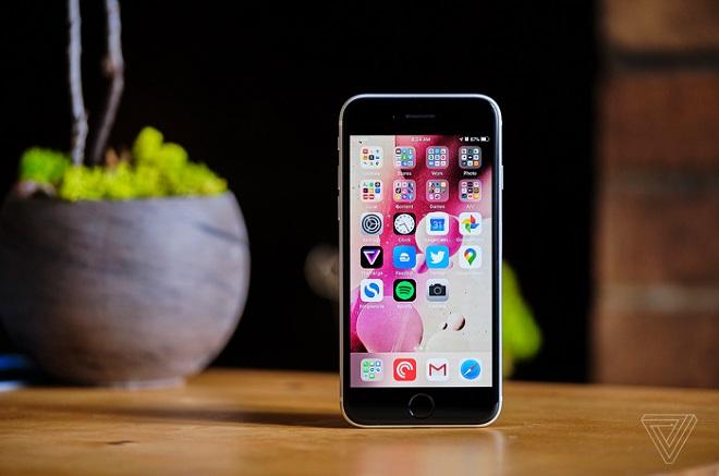 Muốn biết vì sao Apple giàu, hãy nhìn vào chiếc iPhone SE