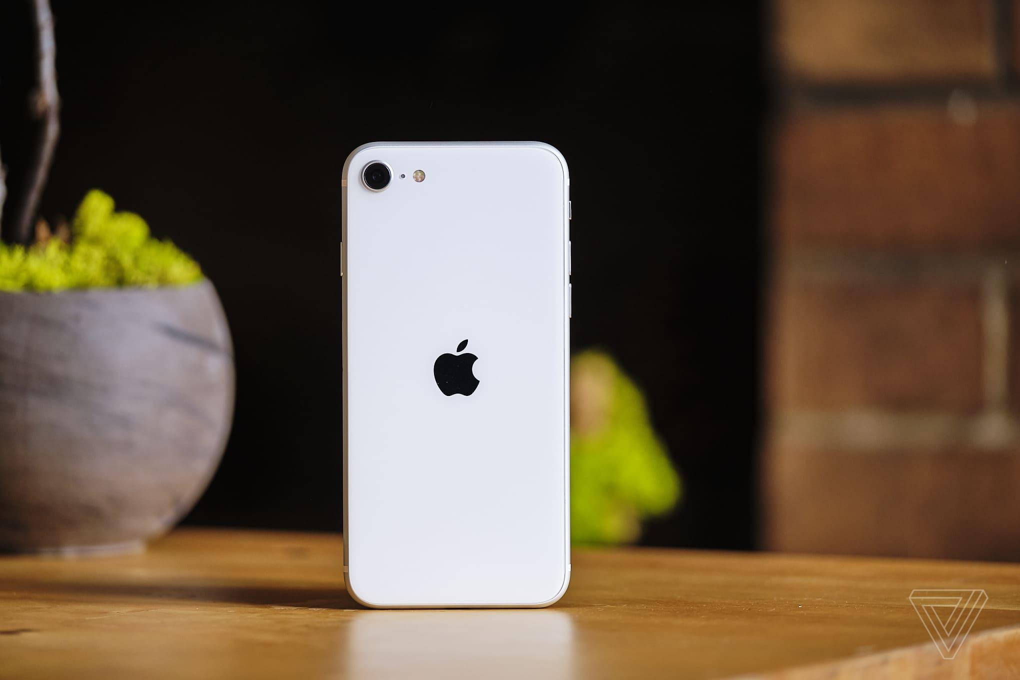 Đánh giá iPhone SE 2020: Chiếc điện thoại Quả Táo