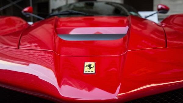"""Xe sang Ferrari giúp công ty """"ăn nên làm ra"""" dù COVID-19"""