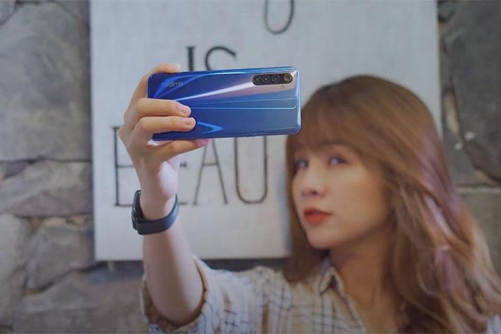Camera: Đại chiến vì người dùng hay cuộc chơi giữa các thương hiệu?