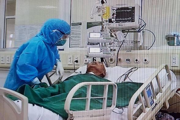 Bệnh nhân 161, cụ bà 88 tuổi liệt nửa người trái, từng nguy kịch được công bố khỏi bệnh