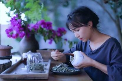 Vlogger Trung Quốc thành công nhờ khai phá con đường mới: 'Thánh ăn công sở', 'Tiên nữ đồng quê'