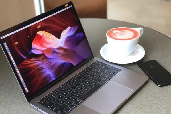 Tin đồn: MacBook Pro phiên bản 14 inch ra mắt năm 2021