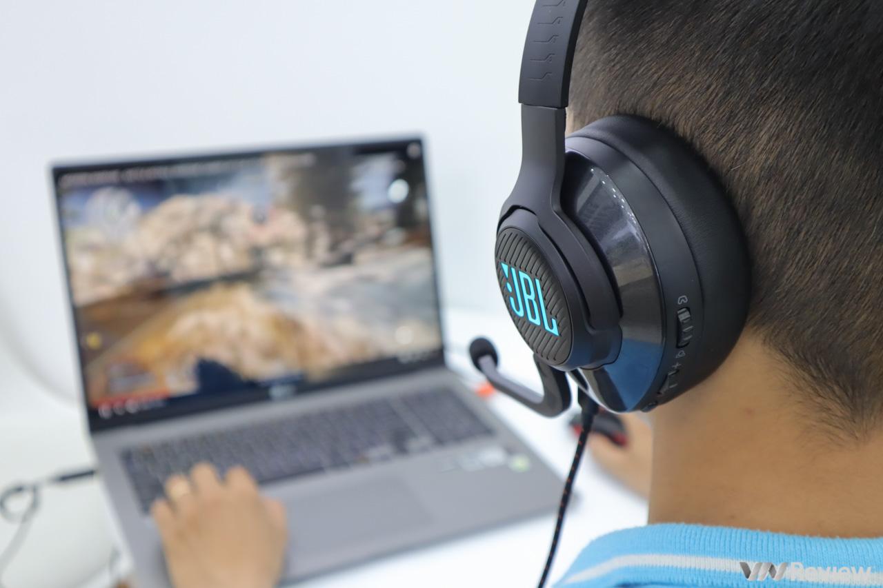 Đánh giá JBL Quantum 400: khi ông lớn âm thanh đặt chân vào làng gaming