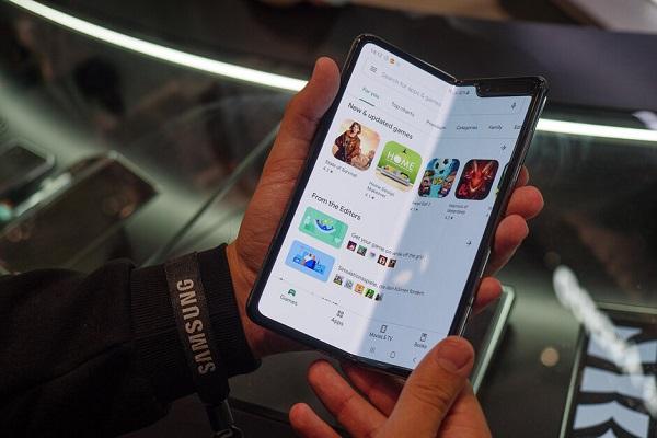 Samsung Galaxy Fold Lite sẽ là phiên bản cắt giảm tính năng, có giá 1.100 USD
