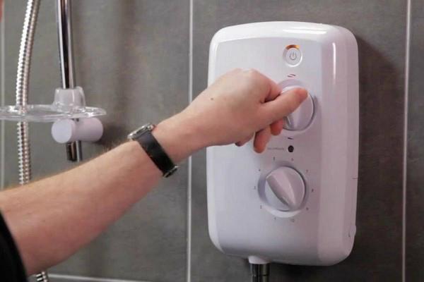 Bình nước nóng lạnh không ra nước nóng? Nguyên nhân và cách khắc phục