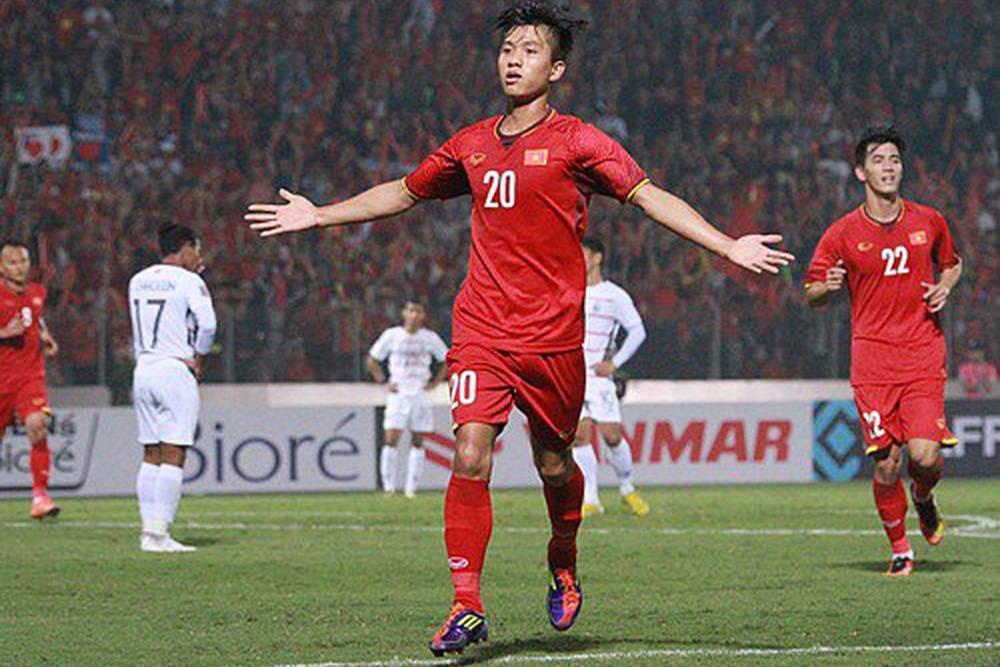 Tuyển thủ quốc gia Phan Văn Đức 'try hard', đại chiến AoE với game thủ chuyên nghiệp