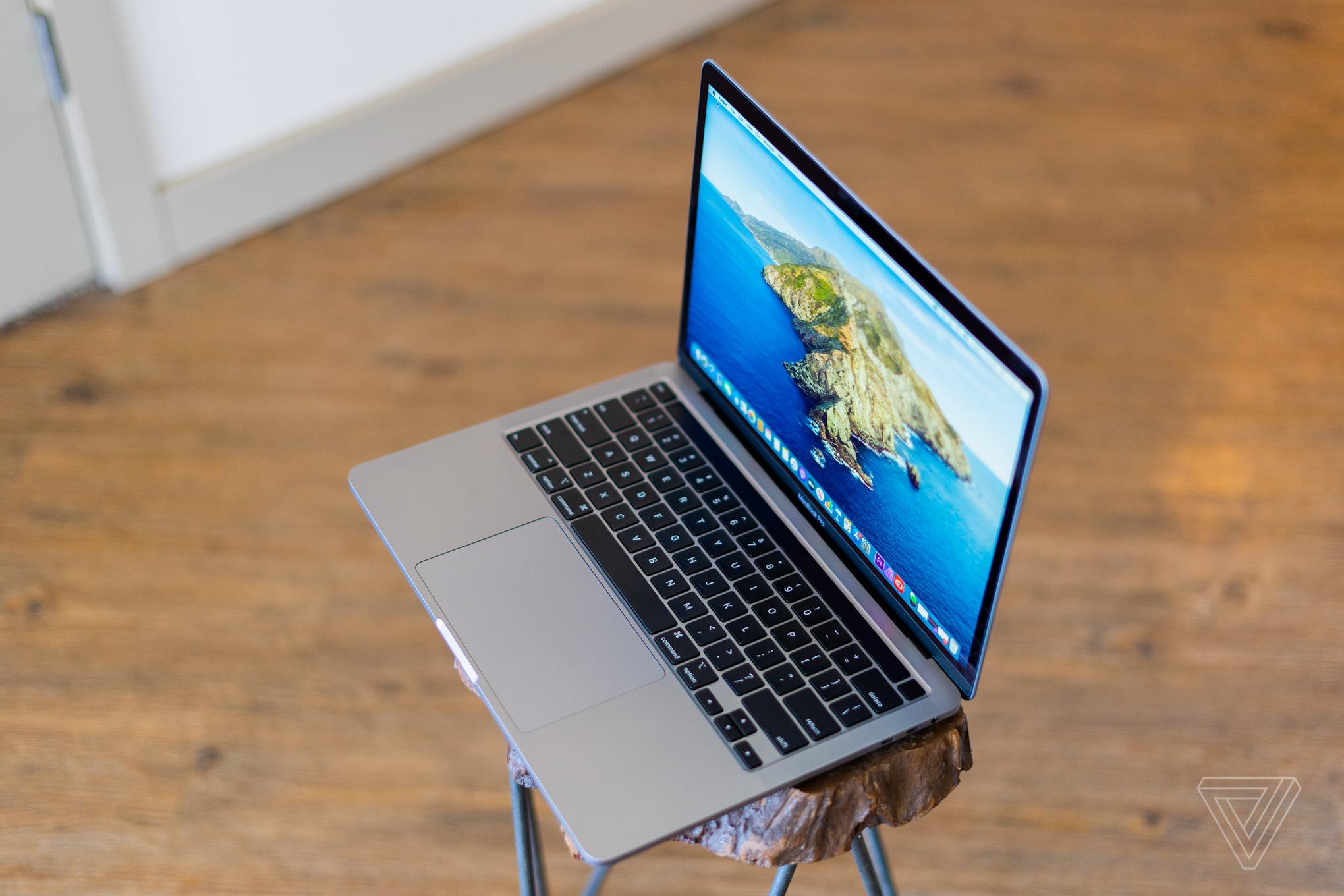 Đánh giá MacBook Pro 13-inch (2020): Trở lại đường đua nhờ đáp ứng tốt nhu cầu của người dùng