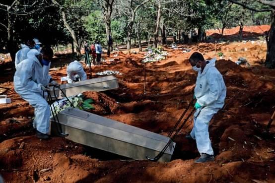 Gần 5 triệu ca Covid-19 trên thế giới, Brazil và Ấn Độ 'căng mình' chống dịch