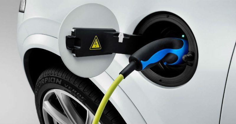 Keysight hợp tác DEKRA kiểm thử công nghệ sạc của xe điện