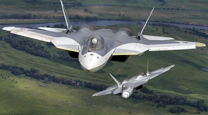 """Tương lai tiêm kích Su-57 sẽ """"không có người lái, tự động hoàn toàn"""""""