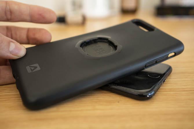 Mách bạn những bước để vệ sinh một chiếc iPhone đúng cách