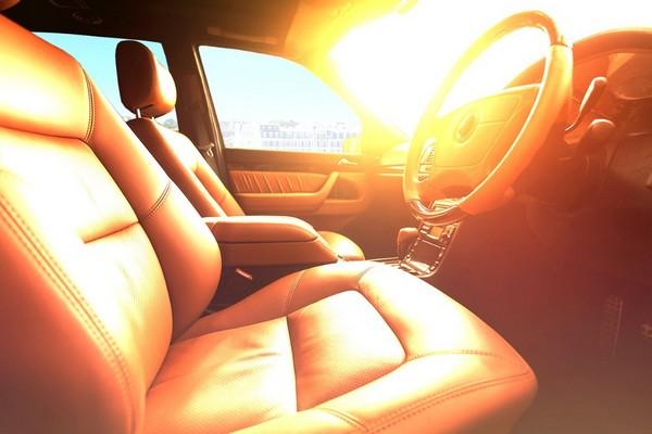 Đỗ xe hơi dưới nắng giúp diệt virus SARS-CoV2 trong xe nhanh hơn