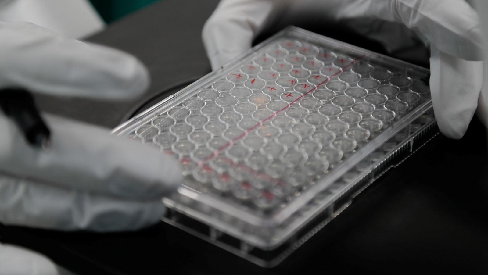 Nước Mỹ bỏ tiền tỷ mua 400 triệu liều vaccine phòng ngừa virus corona có thể sẽ… chẳng bao giờ tồn tại