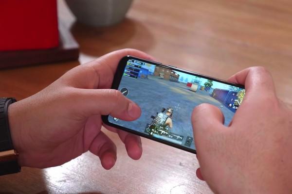 Tencent bị kiện sau khi trẻ nhảy lầu để xem có thể sống lại như trong game không