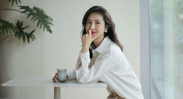 Đổng Hoa Hoa, vợ chủ tịch Taobao Tưởng Phàm, đăng ảnh mới.