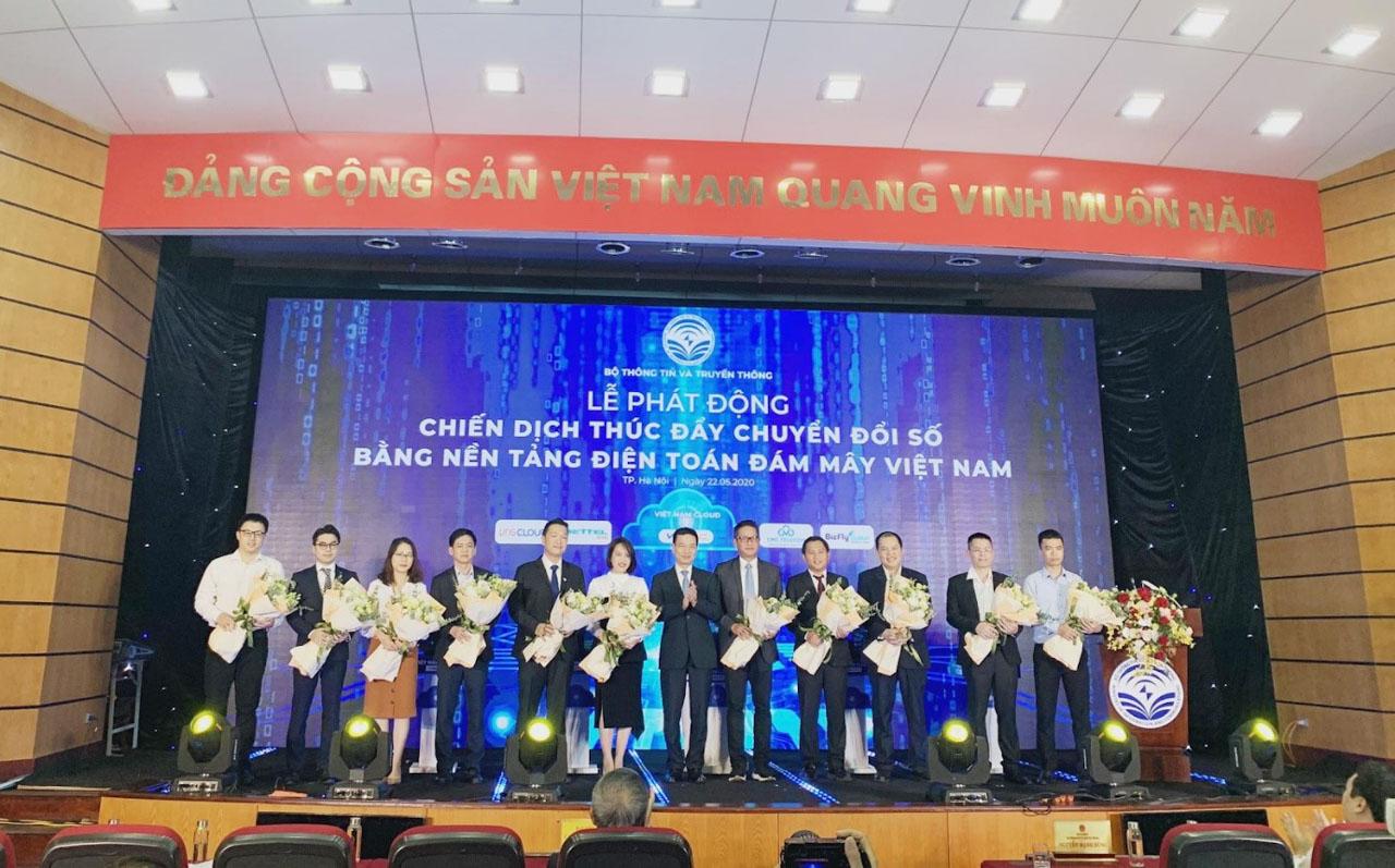 Hanoi Telecom cam kết thúc đẩy chuyển đổi số tại Việt Nam bằng nền tảng điện toán đám mây
