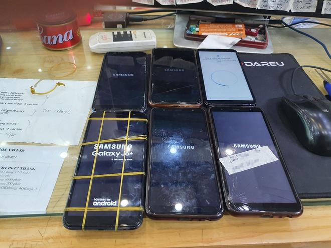 Samsung hướng dẫn khắc phục lỗi màn hình chữ đỏ, không thể đăng nhập
