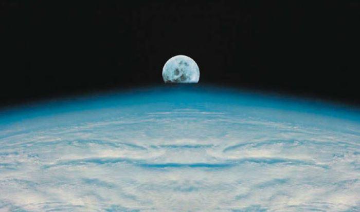 Bầu trời trên các hành tinh khác có xanh không?