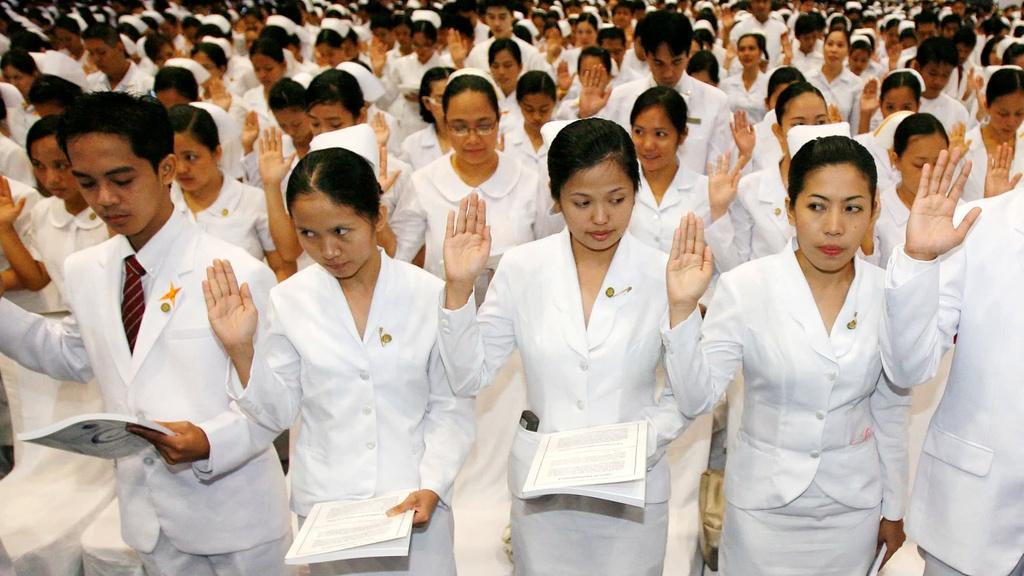 Khi Covid-19 ập tới, y tá Philippines trả giá đắt vì giấc mơ thiên đường ở các nước giàu