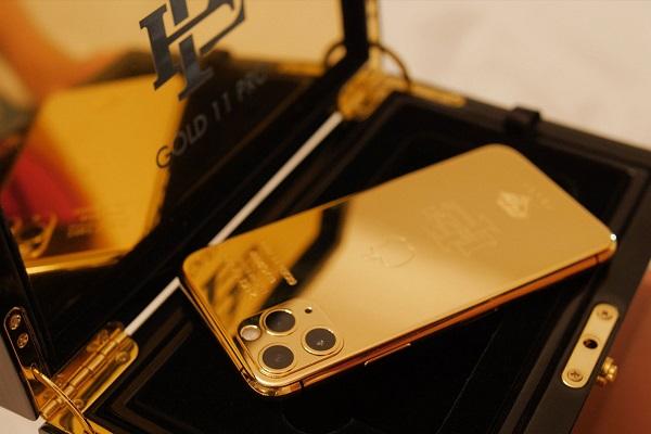 Anh trai trùm ma túy Pablo Escobar đang bán iPhone 11 Pro tân trang với giá 499 USD