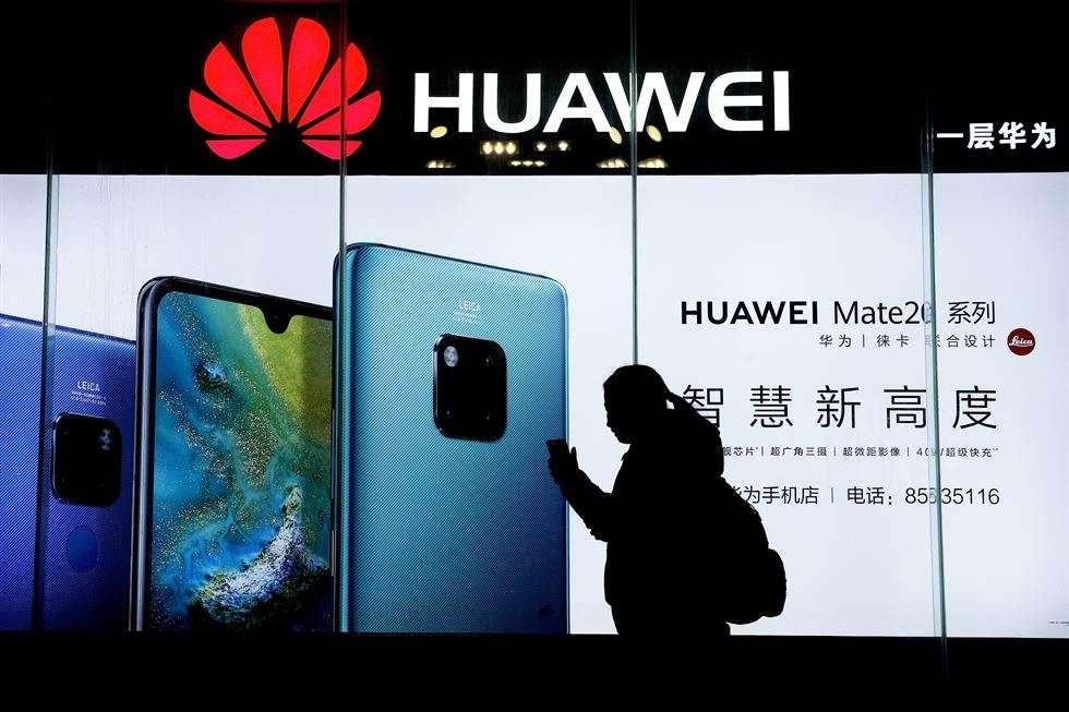 Huawei vật lộn mua dự trữ chip Mỹ cho 2 năm