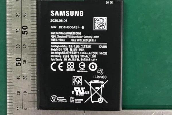 Samsung có thể quay lại với pin rời trên các mẫu smartphone cấp thấp của mình