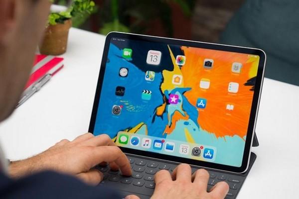 Sếp cũ Windows sử dụng iPad Pro thay cho desktop phụ
