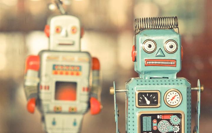 """Cách đây 100 năm, từ """"robot"""" đã xuất hiện trong kho từ vựng nhân loại. Bạn có biết nó đến từ đâu?"""