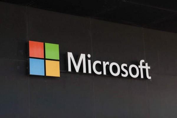 """Microsoft quyết """"chơi lớn"""", cho nghỉ việc một số nhân viên và dành toàn bộ phần việc của họ cho AI"""