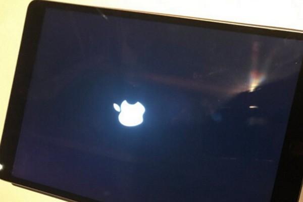 iPad Pro 10.5 inch gặp lỗi liên tục khởi động lại sau khi cập nhật lên iPadOS 13.4.1