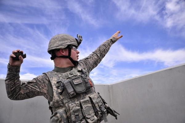 Đâu là sự khác biệt giữa lựu đạn tấn công và phòng thủ?