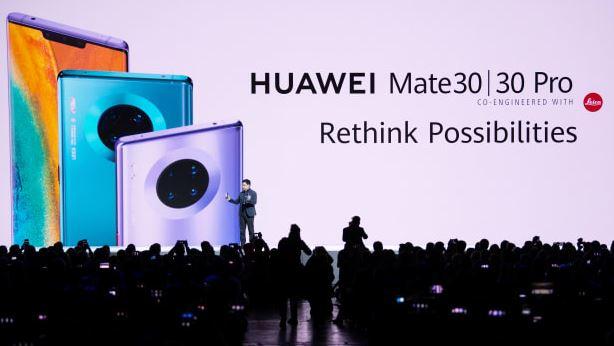 Donald Trump ngáng chân Huawei trở thành số 1 trên thị trường smartphone năm 2020