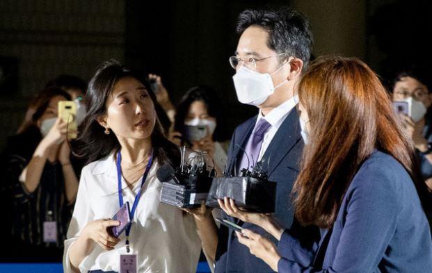 """Tòa án từ chối lệnh bắt """"thái tử"""" của Samsung Lee Jae-yong"""