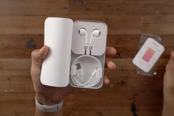 Tin buồn: iPhone 12 có thể sẽ không kèm tai nghe EarPods, phải mua ngoài