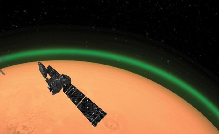 Tàu vũ trụ chộp được quầng xanh quanh sao Hỏa