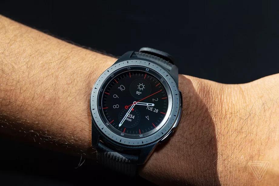 Rò rỉ những hình ảnh thực tế của chiếc smartwatch Samsung Galaxy Watch 3