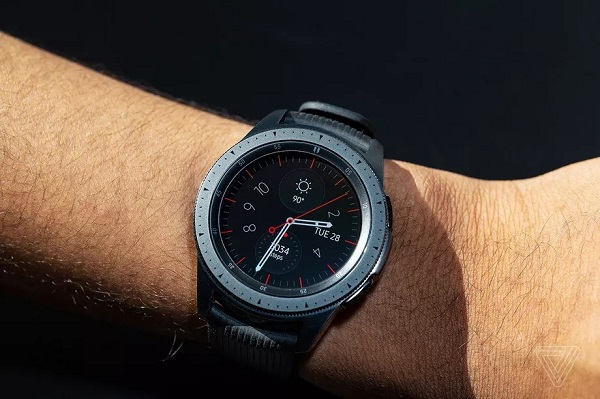 Rò rỉ hình ảnh thực tế của smartwatch Samsung Galaxy Watch 3