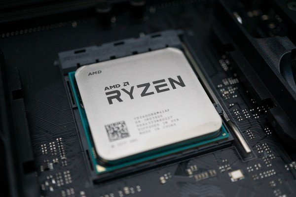 AMD tung ra chip Ryzen 3000XT, trong khi dòng Ryzen 4000 cho desktop sẽ bị hoãn