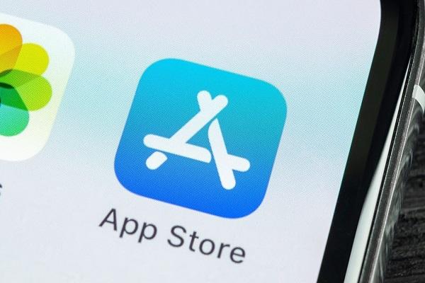 Apple không cho nền tảng Gaming của Facebook lên App Store