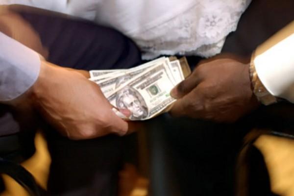 Zimbabwe tịch thu tài sản không rõ nguồn gốc của quan chức
