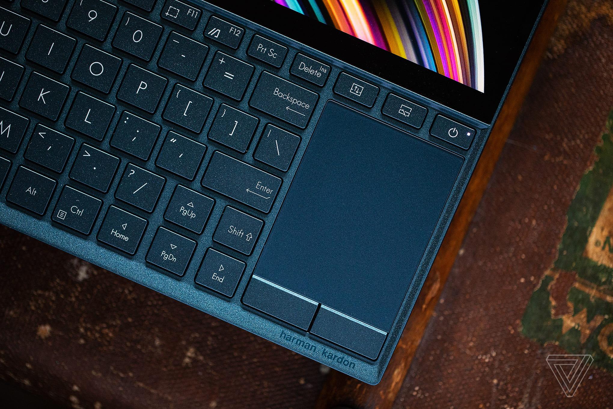 Đánh giá laptop Asus ZenBook Duo: Quá nhiều thứ phải đánh đổi chỉ để có… hai màn hình!