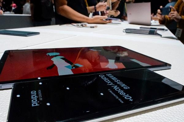 """""""Đại chiến điện tử Nhật - Hàn"""": Sony, Panasonic liên minh kiện Samsung vi phạm công nghệ tấm nền Oled"""