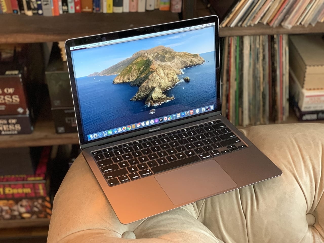 Nên mua MacBook dùng chip Intel ngay bây giờ hay chờ Apple đưa chip ARM 'nhà làm' lên laptop?